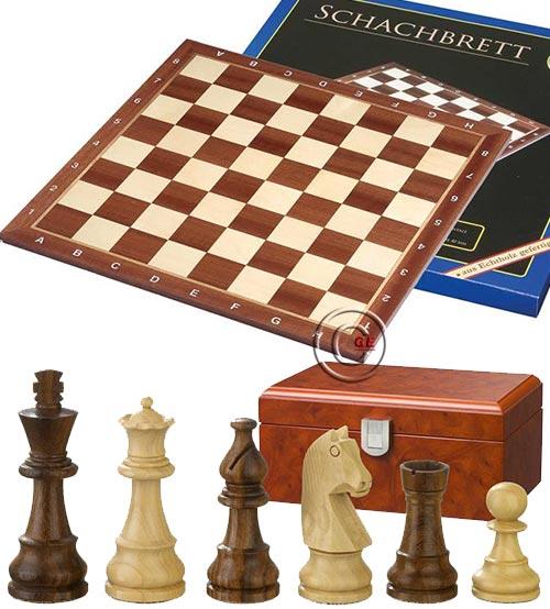 Scacchiera Londra legno intarsio ontano naturale e acero, con coordinate. Dimensioni cm. 40x40, casa mm.40. Abbinata ad un set di scacchi Titus legno Re h mm.76, Scatola radica di legno.