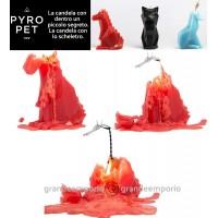 Pyro Pet Dreki-il drago candela in cera scolpita con le forme di un simpatico drago rosso, con incorporato lo scheletro, artigianale metallico, dalle sinistre forme di un drago in agguato.