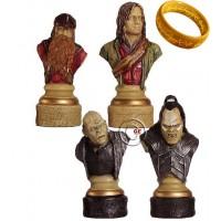 Completo scacchi tematici Il Signore degli Anelli. Re h cm.11 e scacchiera in legno, Londra, cm.45x45x1,3, casa mm.45x45.