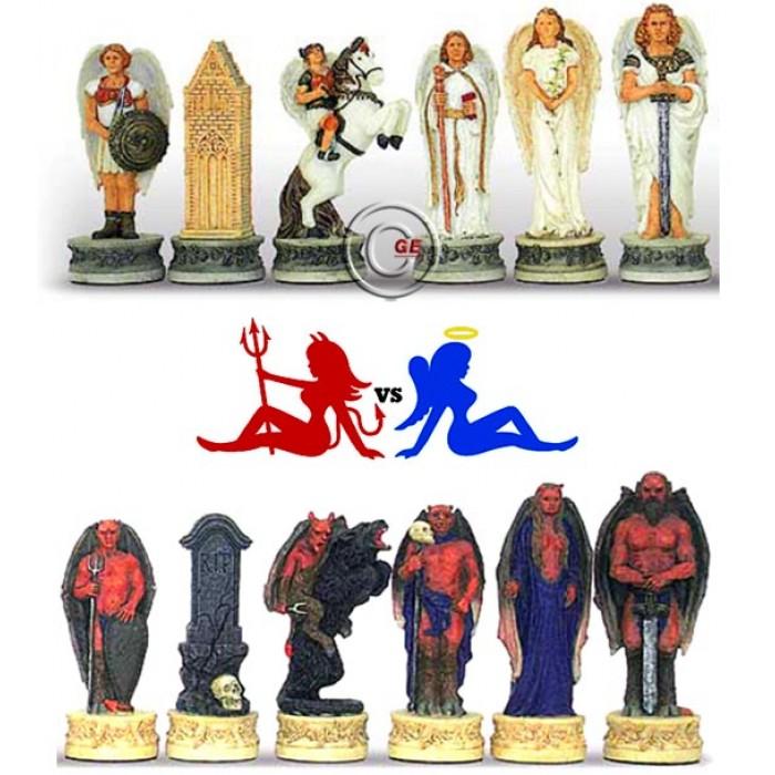 Scacchi artistici tematici Italfama Firenze, in resina, dipinti a mano, Angeli vs Demoni. Re ht. cm.8. base diametro cm.2,5. Originale Idea regalo!