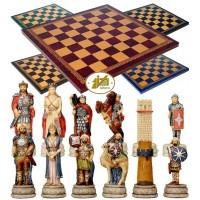 Completo scacchi tematici Italfama figure delle lunghe guerre  Romani Vs Arabi. Re h cm.8, e scacchiera Italfama, similcuoio, colore a scelta, cm. 40x40, campo da gioco cm. 36x36, casa mm.45x45.