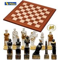 Completo scacchi tematici Italfama Romani vs Egiziani. Re h cm.4,3 con scacchiera  Londra legno. Dimensioni cm.40x40, casa mm. 40x40, spessore cm.1,3.