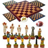 Completo scacchi tematici Football Americano. Re h cm.8, e scacchiera Italfama, similcuoio, colore a scelta, cm. 40x40, campo da gioco cm. 36x36, casa cm. 4,5x4,5.