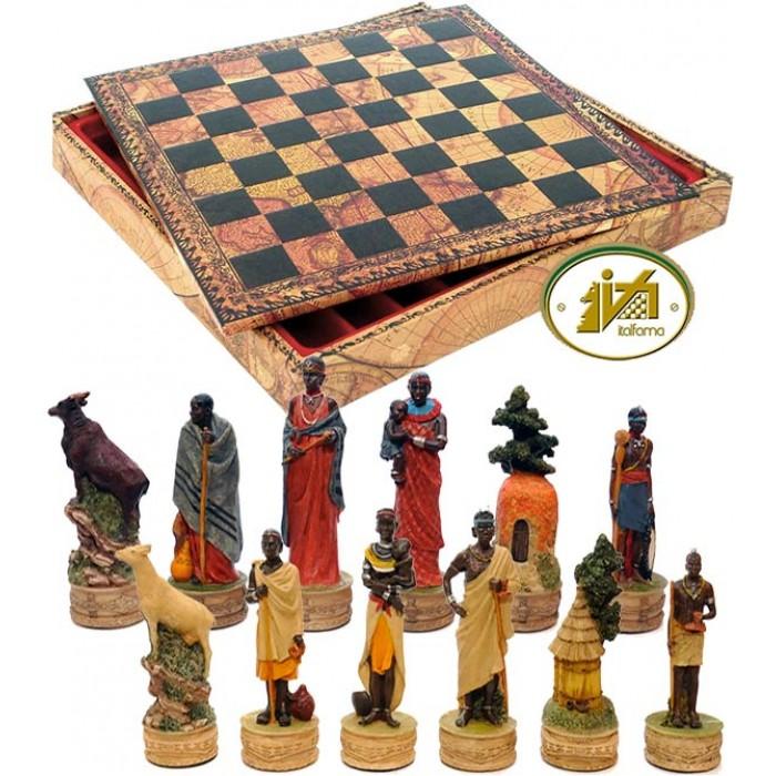 Completo scacchi tematici figure di una tribù masai. Re h cm.8, con Scacchiera con contenitore scacchi e backgammon, Italafama in simil cuoio colorato antica carta geografica, dimensioni cm.35x35x4 con casa mm.35.