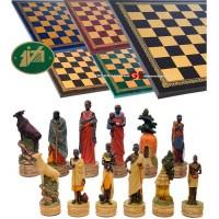 Completo scacchi tematici figure di tribù Masai. Re h cm.8 con scacchiera Italfama, similcuoio, colore a scelta, cm. 40x40, campo da gioco cm. 36x36, casa cm. 4,5x4,5.