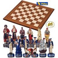 Completo scacchi tematici Pirati dei Caraibi vs Royal Navy. Re h cm.8 e scacchiera in legno, Londra, cm.45x45x1,3, casa mm.45x45.
