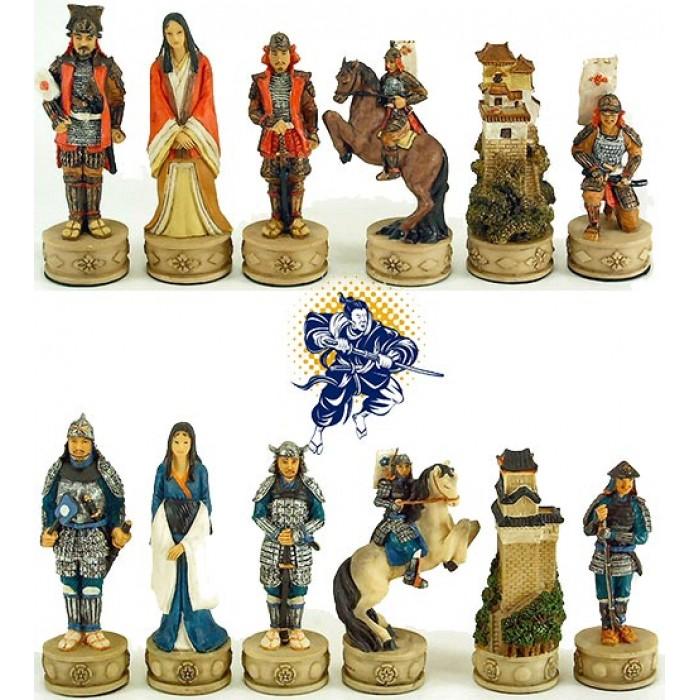 Italfama set scacchi artistici tematici in resina, dipinti a mano, figure di Guerrieri  Samurai. Re ht. cm.8. base diametro cm.2,5. Originale Idea regalo!