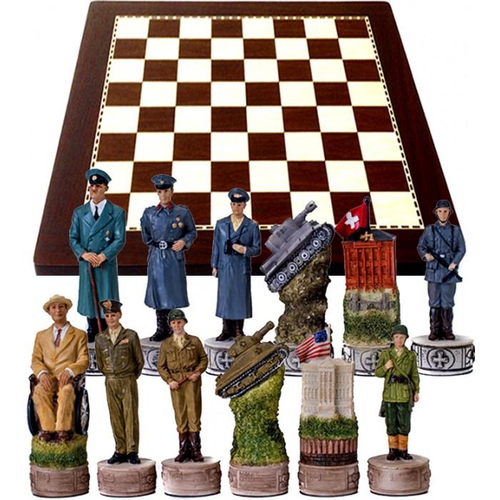 Scacchi artistici tematici Italfama Seconda Guerra Mondiale, Americani vsTedeschi, Re h cm.8, con scacchiera simil legno ebano, dimensioni cm.40x40, casa mm.40.
