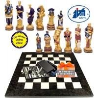 Italfama scacchi artistici tematici in resina Spartaco e i Gladiatori vs Roma. Re h cm13,5 con scacchiera Italfama radica di acero grigio e olmo cm. 60x60x2 casella mm.60x60. In Omaggio set Backgammon.