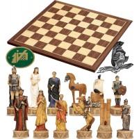 Completo scacchi artistici tematici, figure della guerra di Troia, Achei vs Troiani. Re h cm.12 e scacchiera Kopenhagen in legno intarsio noce ed acero. Dimensioni cm. 40x40x1,3, casa mm.45x45