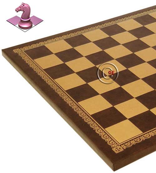 Scacchiera Italfama in similcuoio marrone, con raffinata bordura in oro, produzione italiana. Dimensioni cm.33x33 spessore cm. 1,5, casella cm. 3,5x3,5.