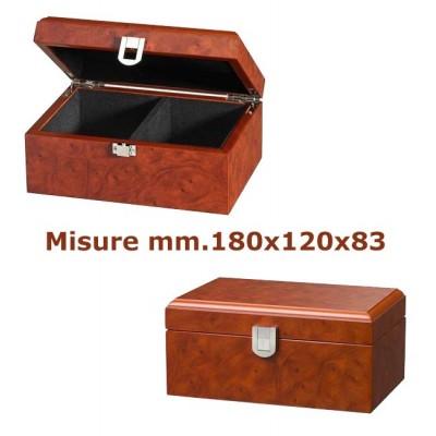 Scatola a cofanetto per scacchi in laminato legno simil radica, capacità set scacchi con Re h. massima mm.85. Dimensioni mm.180x120x83.