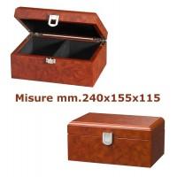 Scatola a cofanetto per scacchi in laminato legno simil radica, capacità set scacchi con Re h. massima mm.135. Dimensioni mm.240x155x115.