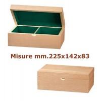 Scatola a cofanetto per scacchi in legno naturale, capacità set scacchi con Re h. massima mm.95. Dimensioni mm.225x142x83.