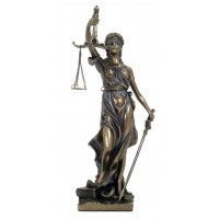 Statua Themis dea della Giustizia, riproduzione, in resina bronzata rifinita a mano h. cm.20. Elegante prodotto firmato Italfama Firenze.