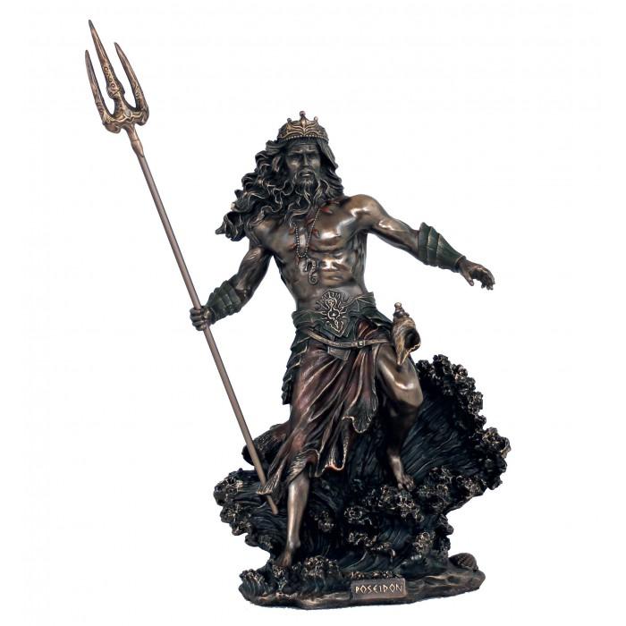 Statua in resina bronzata raffigurante Poseidone Dio del mare. Statua  interamente rifinita a mano in ogni dettaglio e bronzata, altezza cm,53. Elegante idea regalo della Italfama di Firenze-Italia. SR77117.