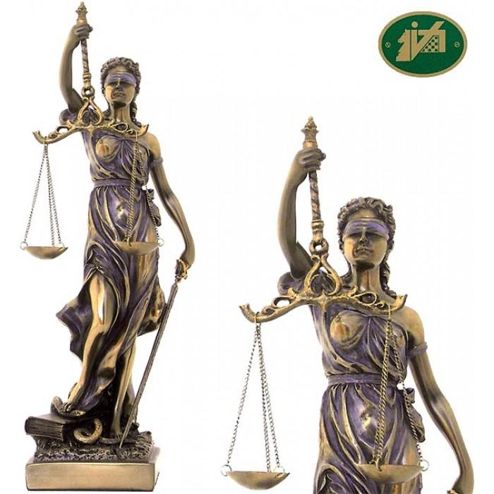 Statua Themis dea della Giustizia, riproduzione, in resina bronzata rifinita a mano h. cm.29. Elegante prodotto firmato Italfama Firenze.