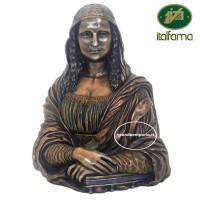 Statua tratta dalla Gioconda di Leonardo Da Vinci, in resina bronzata rifinita a mano cm 23. Elegante prodotto firmato Italfama Firenze.