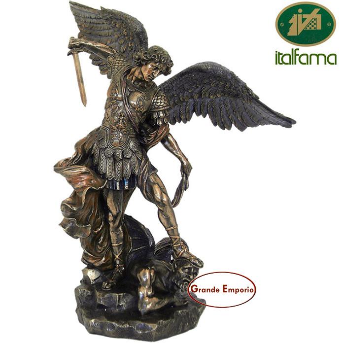 Statua San Michele Arcangelo, in resina bronzata rifinita a mano altezza cm.73. Elegante prodotto firmato Italfama Firenze made Italy.