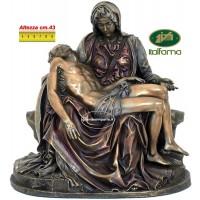 Statua La Pietà di Michelangelo riproduzione Italfama  in resina bronzata altezza cm.43. Elegante prodotto firmato.