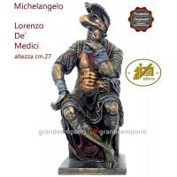 Statua in resina bronzata riproducente la statua di Lorenzo de Medici di Michelangelo Buonarroti. Statua interamente rifinita a mano in ogni dettaglio, altezza cm,27. Elegante idea regalo. SR72725.