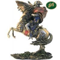 Statua Equestre Napoleone Bonaparte in resina bronzata altezza cm.28. Elegante prodotto firmato Italfama Firenze, made in Italy.