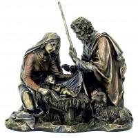 Statua in resina bronzata raffigurante l Natività. Statua  interamente rifinita a mano in ogni dettaglio e bronzata, altezza cm.21. Elegante idea regalo della Italfama di Firenze-Italia. SR74146.