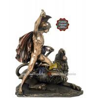 Statua in resina bronzata raffigurante Bellerofonte vs Chimera. Statua  interamente rifinita a mano in ogni dettaglio e bronzata, altezza cm. 25x ht32cm. Elegante idea regalo della Italfama di Firenze-Italia. SR73131.